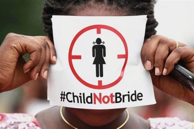Malaysia lo lắng với nhiều đơn xin cưới trẻ vị thành niên - Ảnh 1.