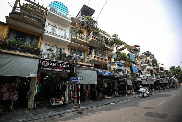 Đề xuất không bán nhà cao tầng ở nội đô cho người ngoại tỉnh - Ảnh 1.