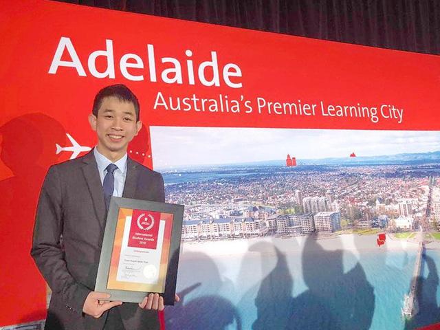 Sinh viên ĐH Bách khoa TP.HCM được vinh danh tại Úc - Ảnh 1.