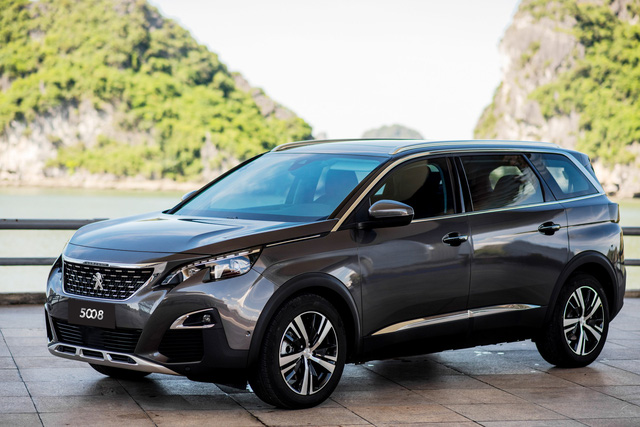 Peugeot tặng bảo hiểm, bảo hành 5 năm - Ảnh 1.