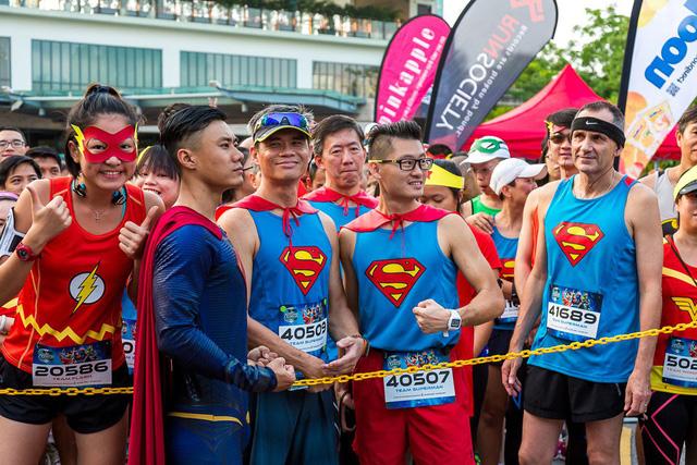 Chạy bộ cùng 7 siêu anh hùng tại TP.HCM - Ảnh 3.
