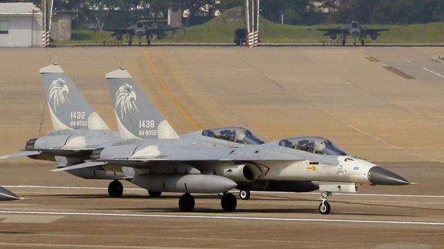 Quốc hội Mỹ phê chuẩn thương vụ bán vũ khí cho Đài Loan - Ảnh 1.