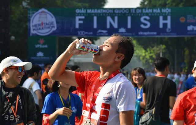 Nhìn lại giải Marathon Quốc tế Di sản Hà Nội 2018 - Ảnh 6.