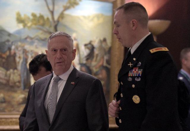 Bộ trưởng Quốc phòng Mỹ James Mattis: 'Nga không thể thay Mỹ ở Trung Đông' - Ảnh 1.