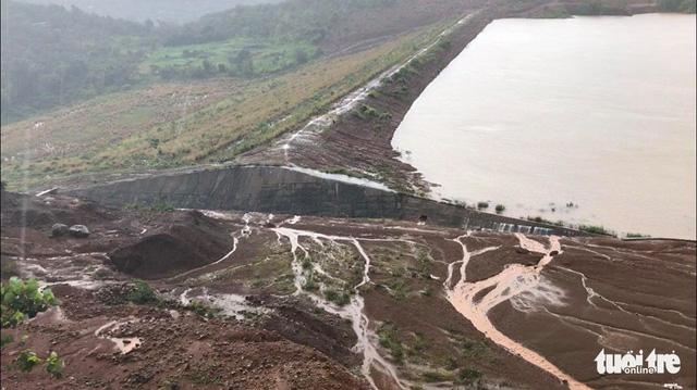 Alumin Nhân Cơ khẳng định sẽ chấm dứt việc để tràn hồ chứa bùn - Ảnh 1.