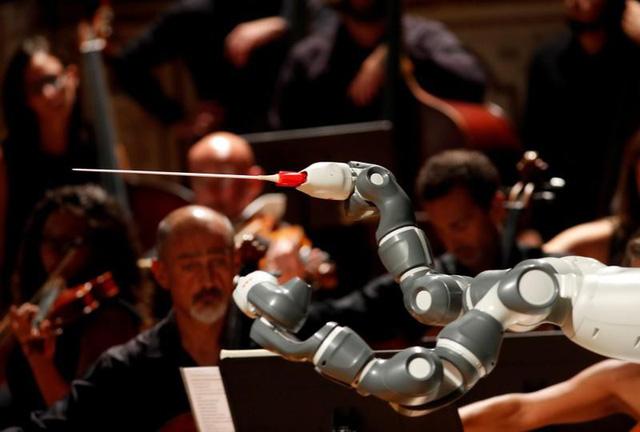 Trung Quốc muốn dùng robot để chế tạo… robot - Ảnh 1.