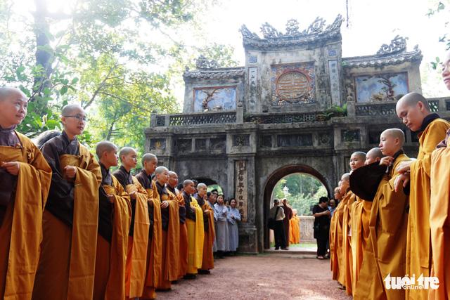 Thiền sư Thích Nhất Hạnh về đến tổ đình Từ Hiếu - Ảnh 3.