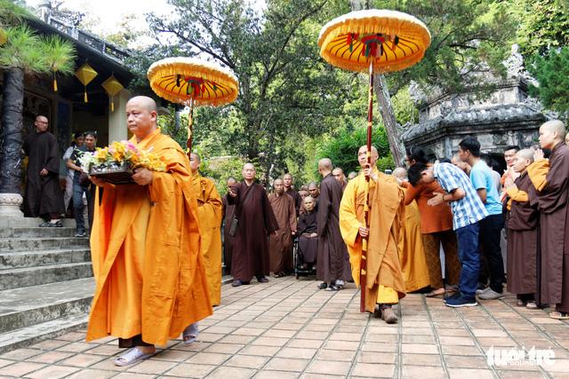 Thiền sư Thích Nhất Hạnh về đến tổ đình Từ Hiếu - Ảnh 8.