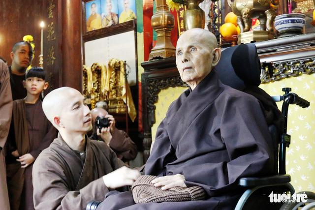 Thiền sư Thích Nhất Hạnh về đến tổ đình Từ Hiếu - Ảnh 10.