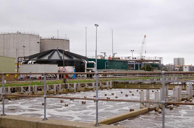 Thủ đô London tính kế xử lý nước uống từ nước thải - Ảnh 1.