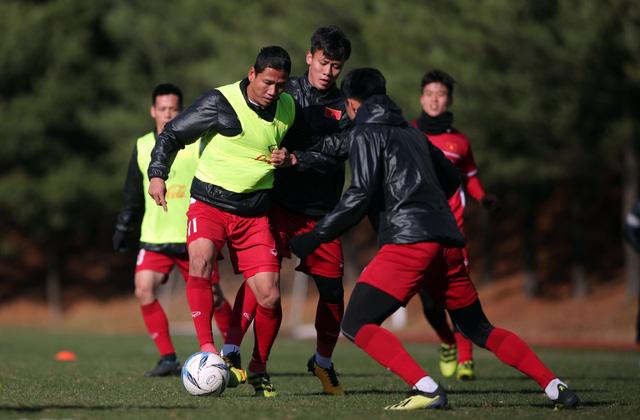 Tuyển VN thua CLB Seoul E-Land 0-2 trước khi rời Hàn Quốc - Ảnh 1.