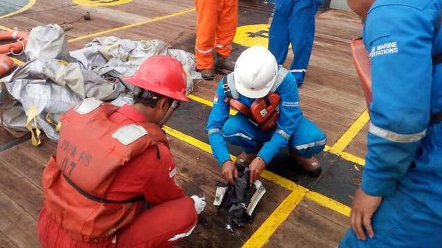 Máy bay chở 189 người của Indonesia rơi xuống biển - Ảnh 2.