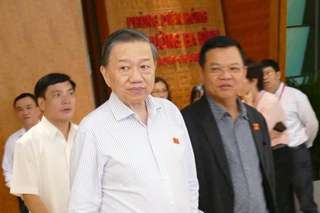 Bộ trưởng Tô Lâm: Chưa mở rộng điều tra tiêu cực thi cử - Ảnh 1.