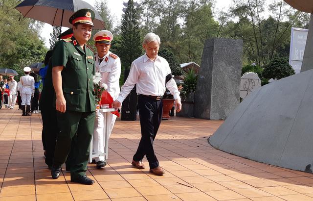 Đồng Nai tổ chức lễ an táng 13 liệt sĩ chưa biết tên - Ảnh 1.