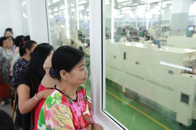 Hơn 10.000 người tham quan nhà máy Acecook Việt Nam mỗi năm - Ảnh 1.