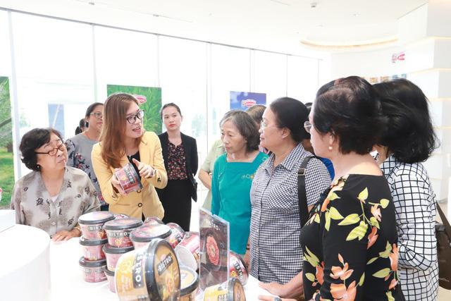 Hơn 10.000 người tham quan nhà máy Acecook Việt Nam mỗi năm - Ảnh 3.