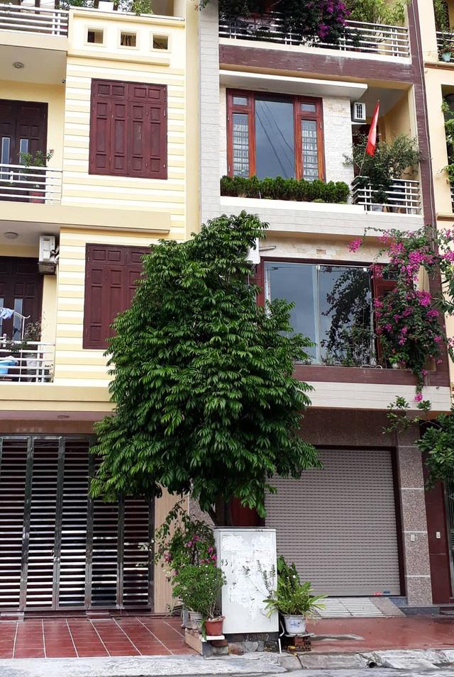 Chủ tịch phường có nhà 4 tầng vẫn xác nhận cho vợ vay vốn… 'thoát nghèo' - Ảnh 1.