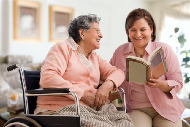 Bí quyết bảo vệ sức khỏe người cao tuổi - Ảnh 1.