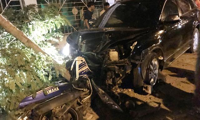 Phó Công an Đồng Xoài gây tai nạn liên hoàn: say rượu hay bể lốp xe? - Ảnh 1.