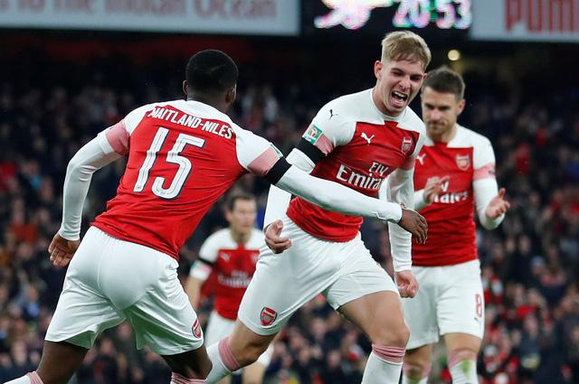 Chelsea và Arsenal vào tứ kết Cúp Liên đoàn Anh - Ảnh 2.