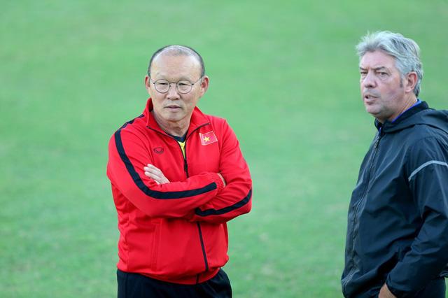 Truyền hình Hàn Quốc mua bản quyền AFF Cup vì… HLV Park Hang Seo - Ảnh 1.