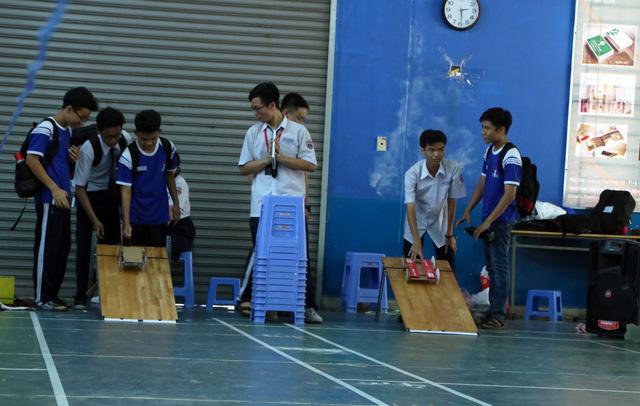 Học sinh cấp 3 Sài Gòn hào hứng  đua xe thế năng - Ảnh 7.