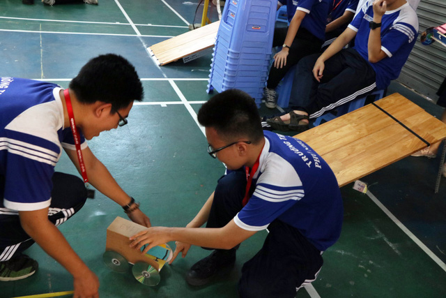 Học sinh cấp 3 Sài Gòn hào hứng  đua xe thế năng - Ảnh 4.