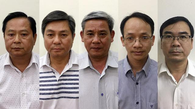 Khởi tố nguyên phó chủ tịch UBND TP.HCM và 4 bị can - Ảnh 1.