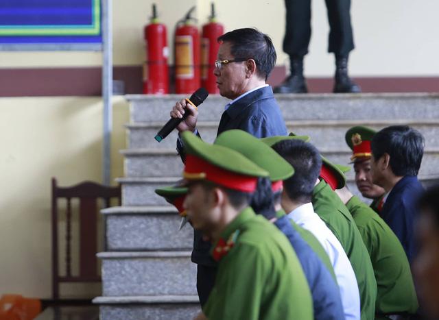 Cựu trung tướng Phan Văn Vĩnh từ chối công bố bản án trên mạng - Ảnh 1.