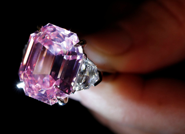 Viên kim cương hồng giá 2,6 triệu USD mỗi carat - Ảnh 3.