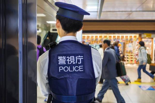 Tội phạm nước ngoài tăng, cảnh sát Nhật thiếu người phiên dịch - Ảnh 1.