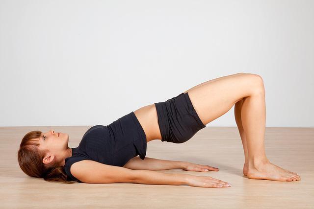 Bài tập yoga chữa thoát vị đĩa đệm - Ảnh 4.