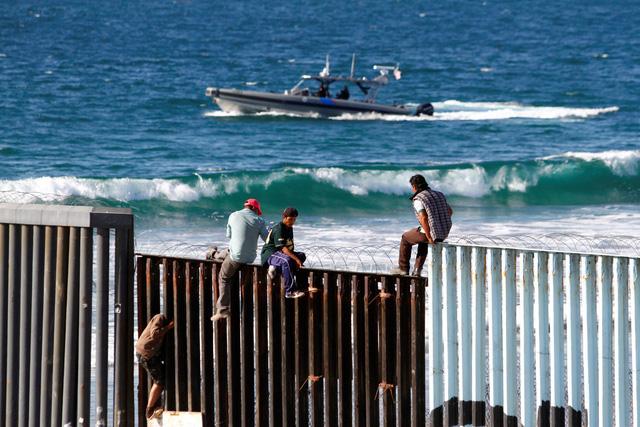 Dòng người di cư bắt đầu xin tị nạn vào Mỹ - Ảnh 3.