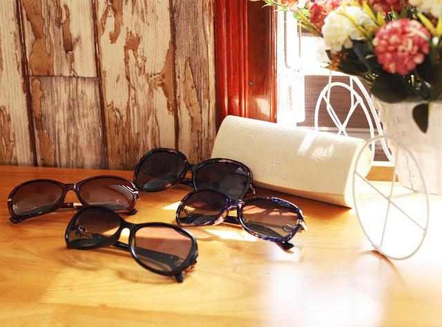 Đăng Quang Watch giảm giá đến 40% đồng hồ, kính mắt - Ảnh 1.