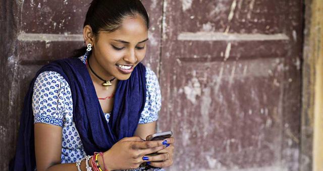 Các ứng dụng điện thoại giúp phụ nữ tránh các hành vi quấy rối - Ảnh 1.