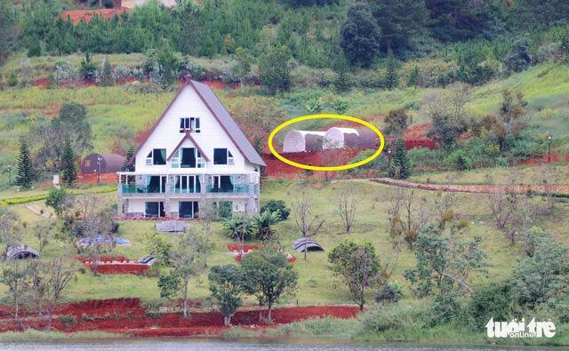 Dời 19 căn nhà trái phép trong vùng cấm hồ Tuyền Lâm - Ảnh 2.