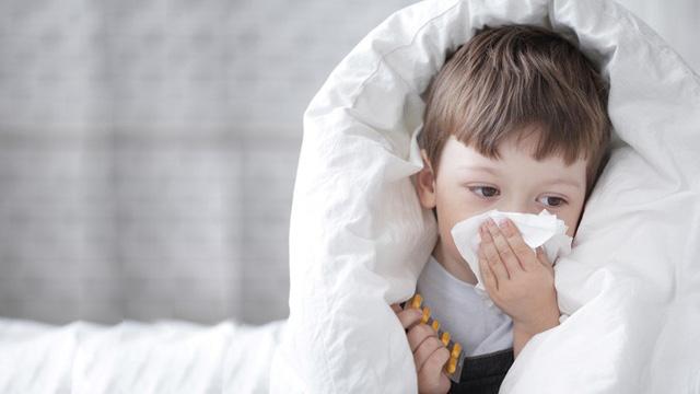 Điều trị cảm ở trẻ em khác với người lớn - Ảnh 2.