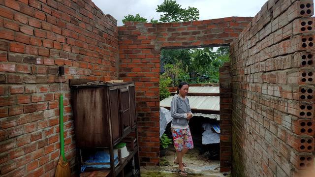 Phú Yên: Lốc xoáy làm hơn 100 ngôi nhà sập, tốc mái - Ảnh 5.