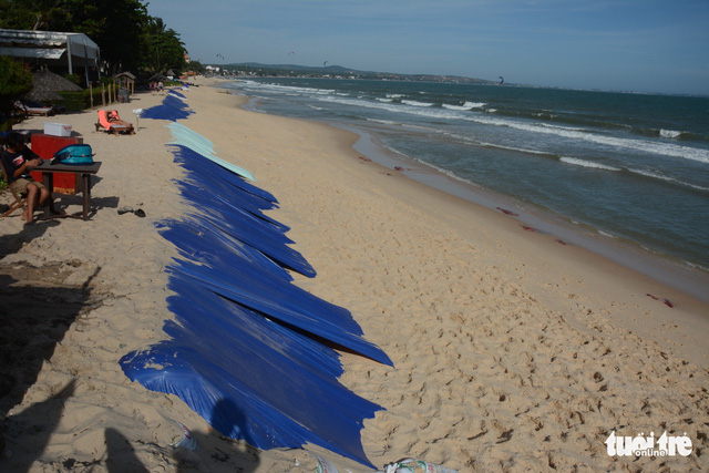 """Bờ biển """"thủ đô"""" resort Phan Thiết sạt lở nặng - Ảnh 3."""