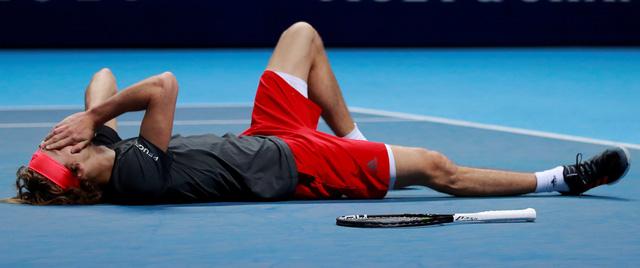 Đánh bại Djokovic, Zverev lần đầu vô địch Giải quần vợt ATP Finals - Ảnh 2.