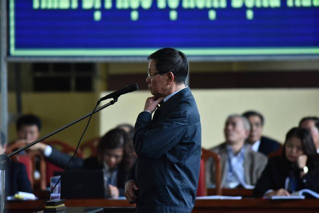 Ông Phan Văn Vĩnh nghẹn giọng thừa nhận hành vi sai phạm - Ảnh 1.
