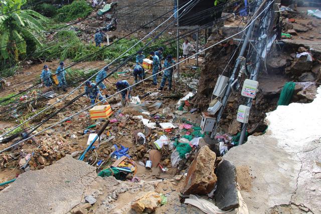 Nha Trang: bằng mọi giá di chuyển 400 hộ dân trước bão số 9 - Ảnh 2.
