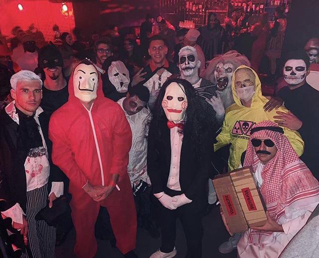 Cầu thủ Bayern Munich xin lỗi vì giả người Ả Rập trong Halloween - Ảnh 1.