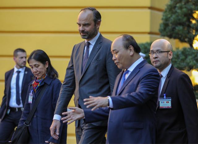 Việt - Pháp ký kết 17 văn kiện hợp tác, trị giá hơn 10 tỷ USD - Ảnh 1.