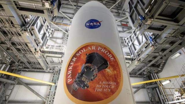 NASA muốn bán vé cho khách tham quan trạm vũ trụ quốc tế - Ảnh 1.