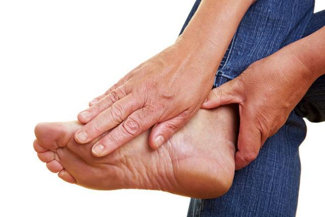 Tình trạng lão hóa ở bàn chân - Ảnh 1.