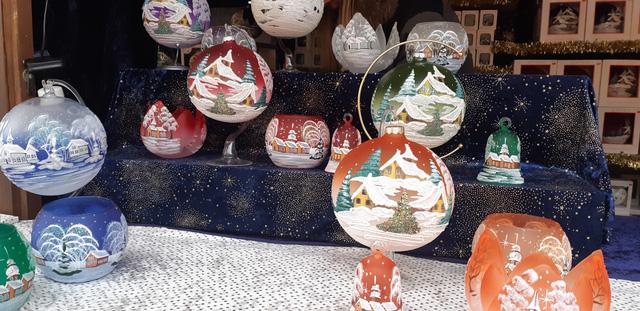 Chợ Giáng sinh ở Thuỵ Sĩ tất bật vào mùa lễ hội cuối năm - Ảnh 6.