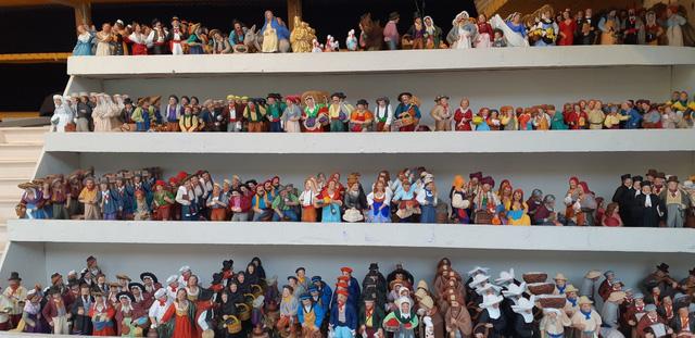 Chợ Giáng sinh ở Thuỵ Sĩ tất bật vào mùa lễ hội cuối năm - Ảnh 7.