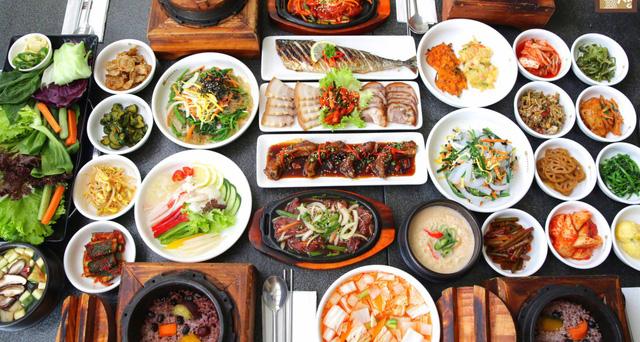 Ca sĩ Haha biểu diễn tại Lễ hội văn hóa và ẩm thực Việt Nam - Hàn Quốc 2018 - Ảnh 1.