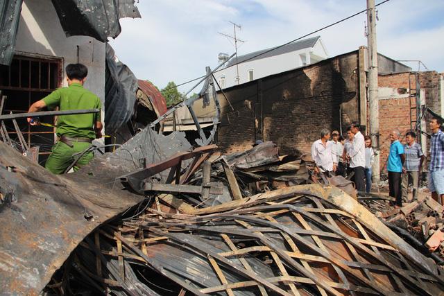 Xem xét khởi tố vụ cháy xe bồn chở xăng làm 6 người chết - Ảnh 5.